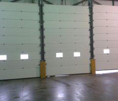 Puerta industrial interior